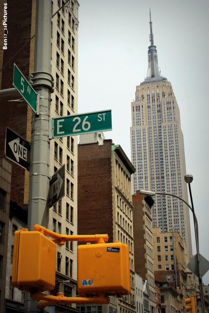 Photo de Benjamin Pinana prise en Mai 2010 sur la 5ème avenue à l'angle de la 26th rue de notre hôtel ;-)