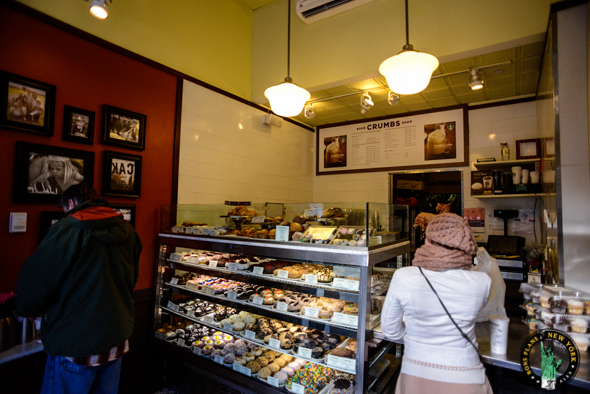 crumbs bake shop l 39 autre magasin de cupcake de new york. Black Bedroom Furniture Sets. Home Design Ideas