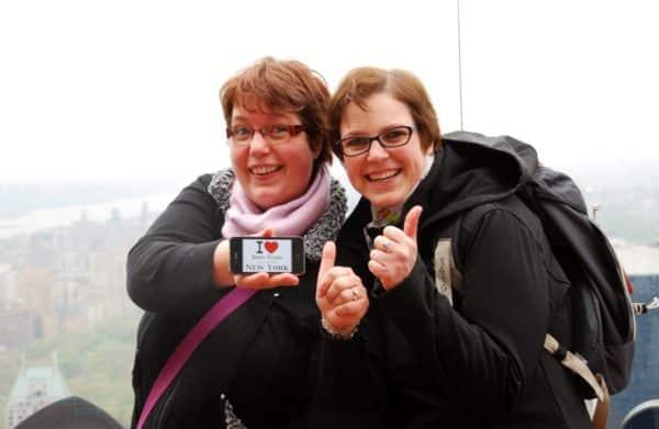 Isabelle avec son amie Carole au Top of the Rock - Mai 2013