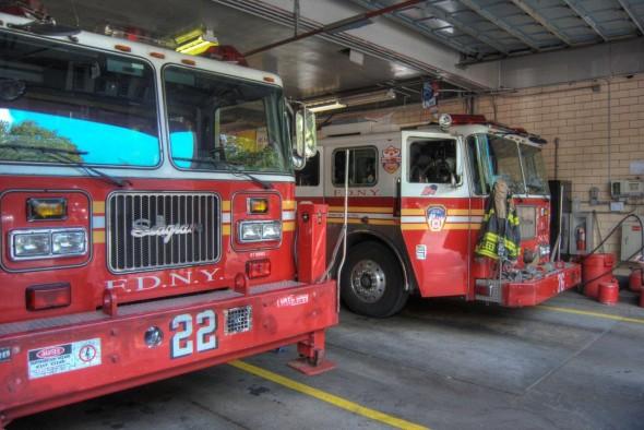 Les photos ont été prises par moi-même en septembre 2010, lors d'un voyage commémoratif d'un groupe de pompiers Belges (dont je fait partie) - Laurent F.
