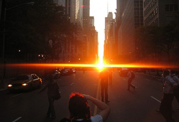 Manhattanhenge à New York City sur la 34ème rue