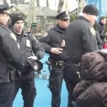 Policiers à la patinoire de Bryant Park - Décembre 202 - Laurence