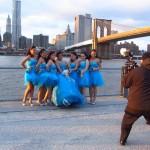 On y a vu un shooting photo pour un mariage.. Ici la mariée et ses demoiselles d'honneur. Il faisait vraiment très froid ce jour là, j'avais froid pour elles, dans ces petites robes – décembre 2012 – Leslie