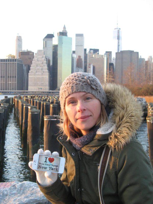 Nathalie à hauteur du Brooklyn Bridge Park pour une photo dédicace - Décembre 2013