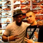 Julien a rencontré 50 Cents au magasin Champs de Times Square en Juin 2012