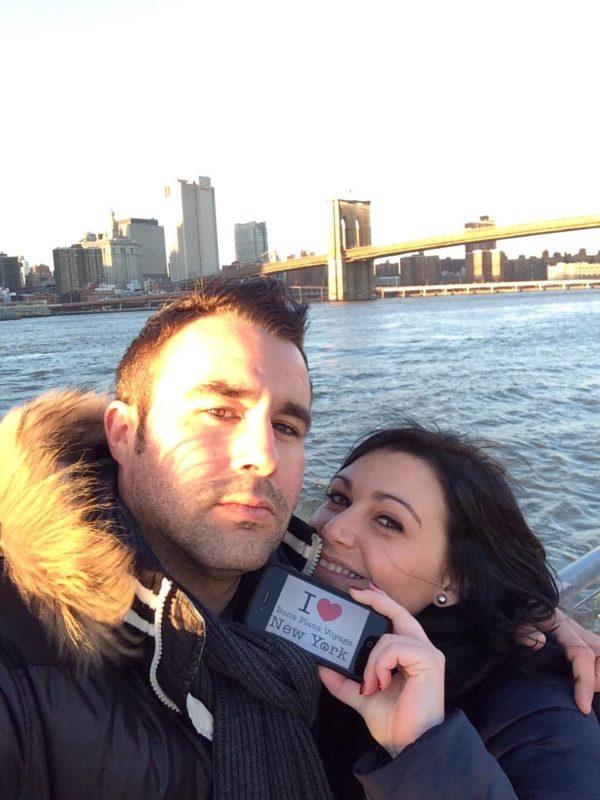 Florian et Céline pour une dédicace sur le Brooklyn Bridge Park - Décembre 2013