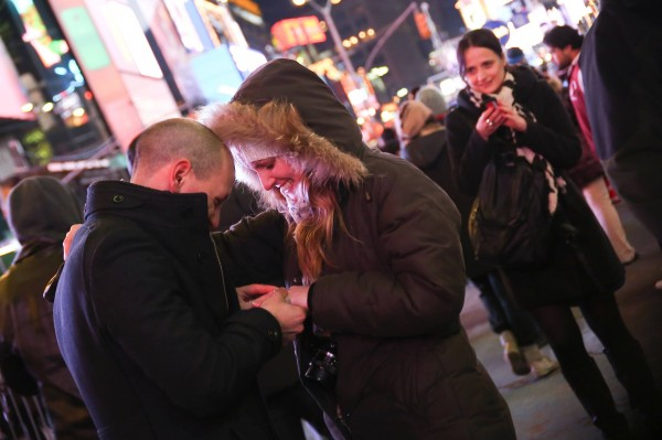 demande-mariage-ny-times-square-raph-2