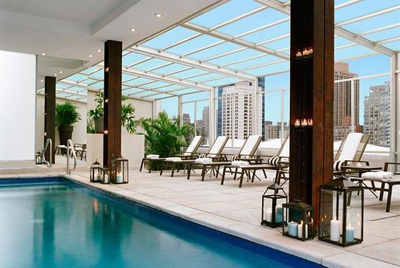 Allez vous rafraichir dans une piscine d 39 un h tel de new york - Hotel avec cuisine new york ...