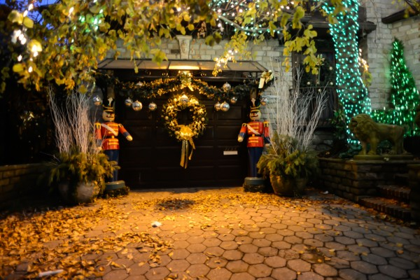 decorations-noel-dyker-heights-new-york-3