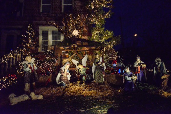 decorations-noel-dyker-heights-new-york-4