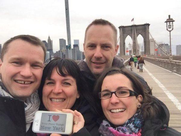 Dédicace très sympa de Sandrine & co sur le Brooklyn Bridge - Avril 2015