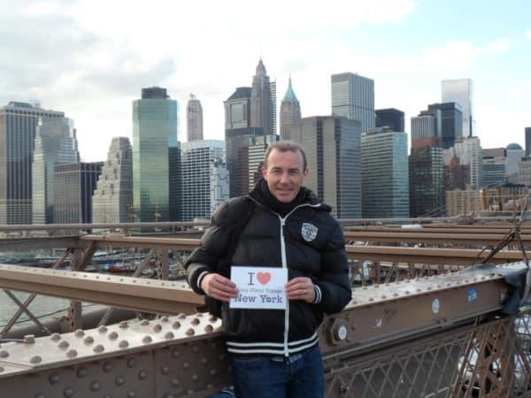 Dédicace de Arnaud du Brooklyn Bridge !