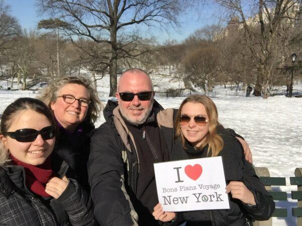 Dédicace de Bruno, Sandrine, Maryne et Chloé hier à Central Park  Merci à vous 4 !!! :)