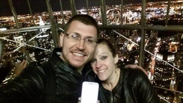Dédicace de Steven & Emilie en haut de l'Empire State Building - Avril 2015 ... même si on ne voit rien sur l'écran du téléphone :) :)