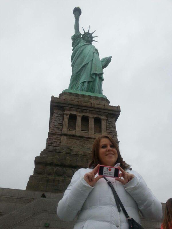 Dédicace de Morgane au pied de la Statue de la Liberté - Décembre 2014