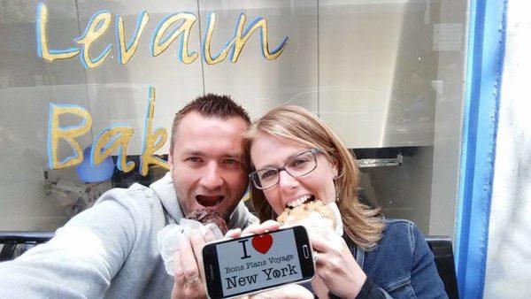 Dédicace de Romain et sa chérie avec 2 gros cookies de la Levain Bakery - Mai 2015
