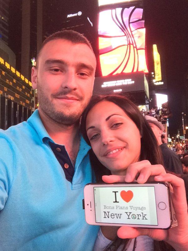 Dédicace de William et Clémence à Times Square