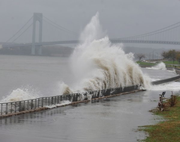 hurricane-sandy-hits-new-york-city