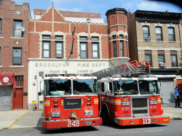 visiter caserne pompiers new york fdny Eng-249 Lad-113 491 RogersAv BKLYN Photo©FDNY