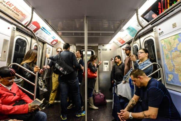 Le bus et le m tro volont le bon plan transport new for Interieur new yorkais