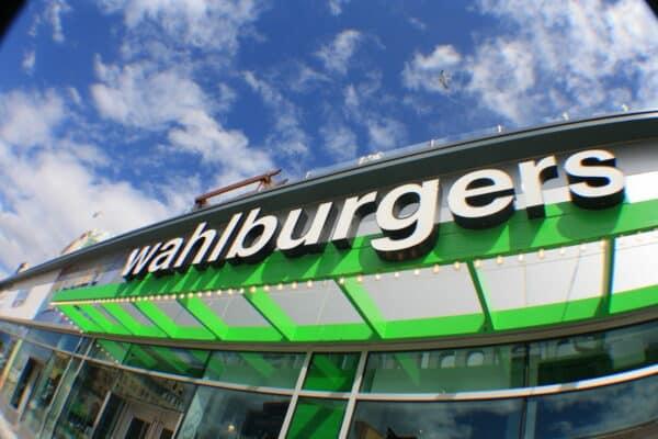 Wahlburgers Mimi44