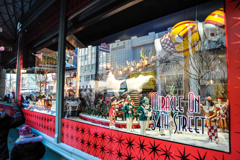 Top Les bons plans vitrines de Noël des grands magasins à New York ZN25
