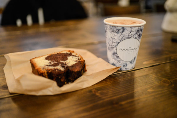 coffee shop Maman new york chocolat chaud cake